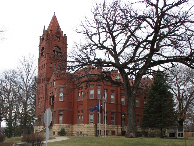 Blue Earth MN - Faribault County Courthouse