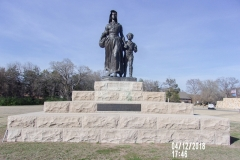 Ponca City OK - Pioneer Woman Statue