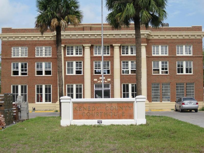 Sarita TX - Kenedy County Courthouse